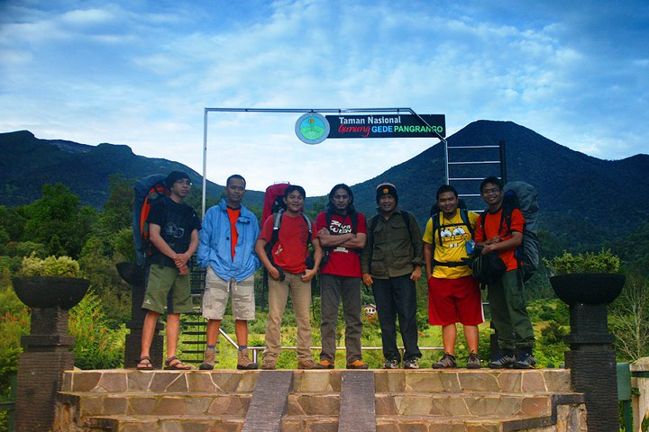 Mendaki Gunung Gede Pangrango 2010