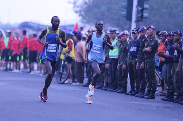 Jakarta Marathon 08